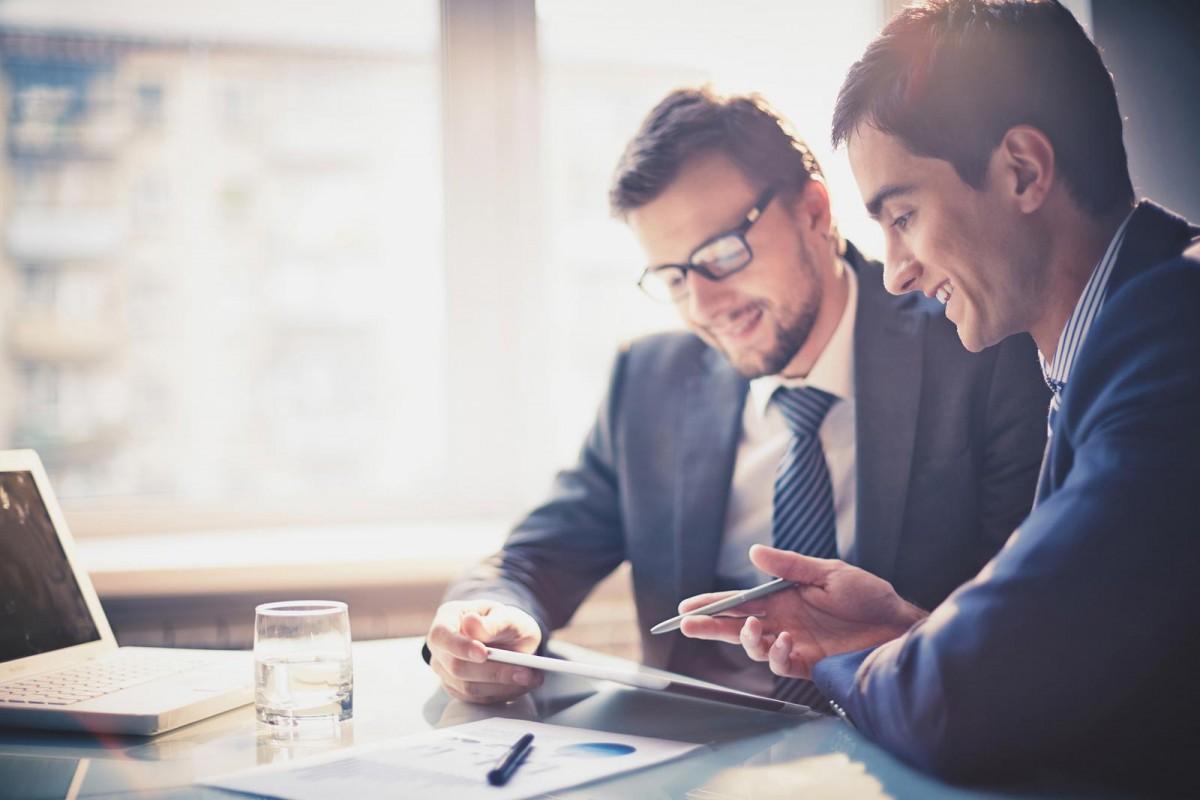 business-men-working