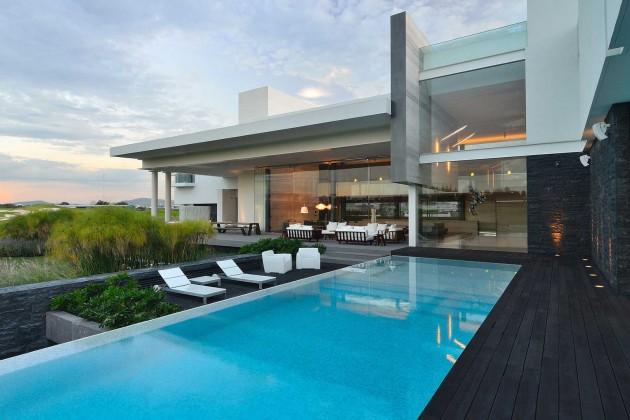 $19,500,000 – Pinata Montos