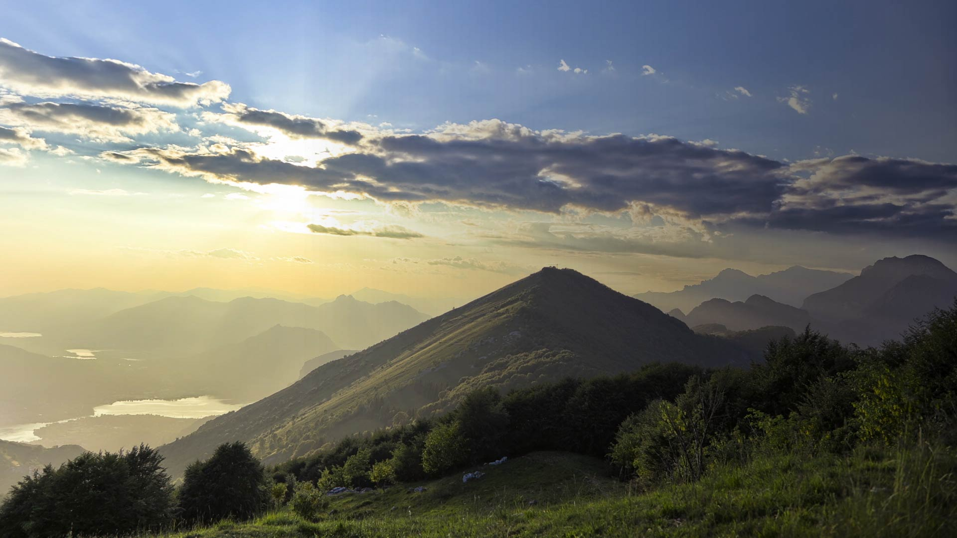mountains-placeholder-1
